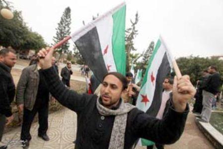 أهالي غزة يتبرعون لدعم الثورة السورية