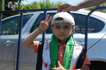 طفل الثورة السورية