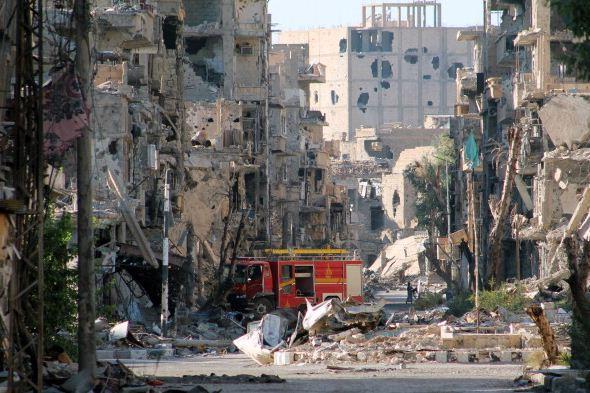 آثار القصف في ديرالزور