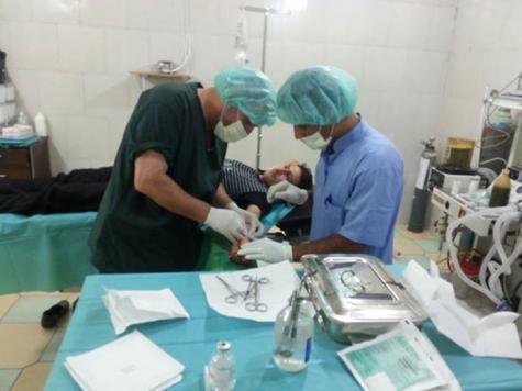أطباء سوريا موجودون في خطوط الجبهات الخلفية لعلاج الثوار