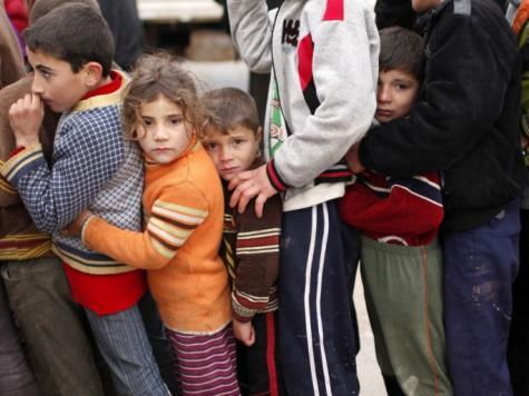 أكثر من مليوني لاجئ سوري يعيشون في دول الجوار نحو نصفهم أطفال