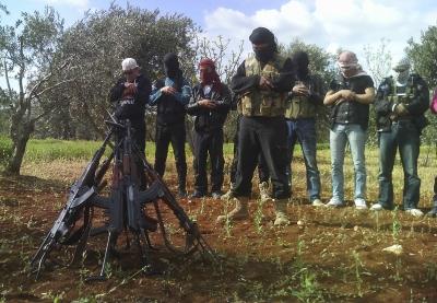 الجيش السوري الحر - صلاة